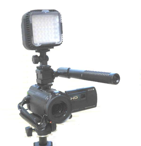 ビデオカメラとマイク・LEDライト